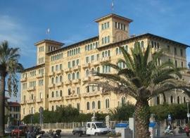 Op zoek naar een hotel in Viareggio?