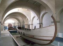 Oude Romeinse schepen in Pisa