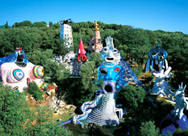 Kleurrijke tarottuin van Niki de Saint Phalle